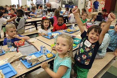 students at national school lunch week
